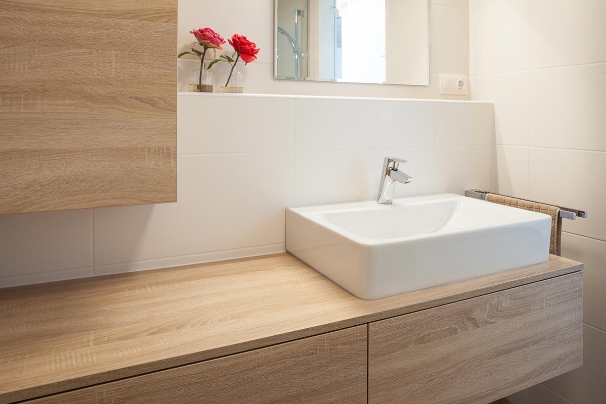 bad-unterschrank-badezimmer-eiche-sawcut-2 - holzplatte ...